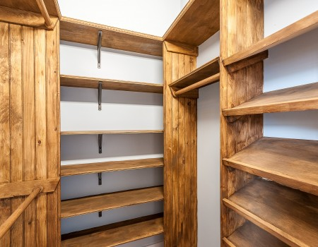 Ground Floor Bedroom Closet in 2/2 + Study