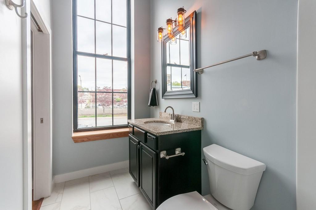 Ground Floor Bath in 2/2 + Study