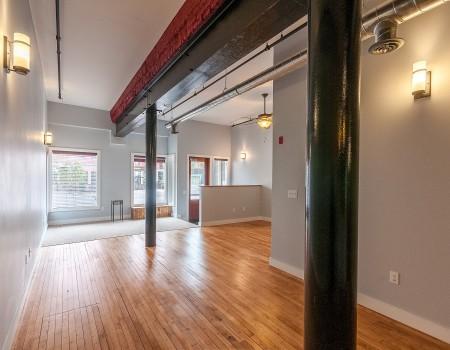 Ground Floor Living Space in 2/2