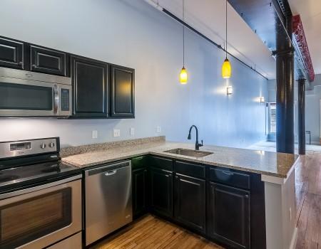 Ground Floor Kitchen & Living Space in 2/2