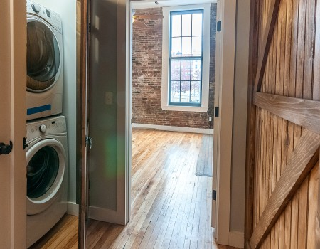 Ground Floor Washer/Dryer included in 2/2