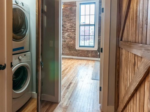 Ground Floor Washer/Dryer in 2/2