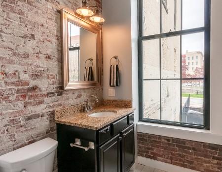 Ground Floor Bathroom in 2/2