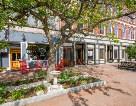 Walk to Coffee Shops & Restaurants Right Next Door